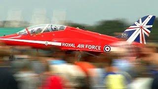 RAF RED ARROWS - Full Display 2014