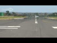 Learjet Crazy Low Takeoff